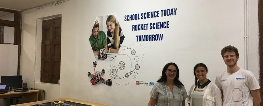 Clase de Robótica Educativa en l'Escola l'Horitzó
