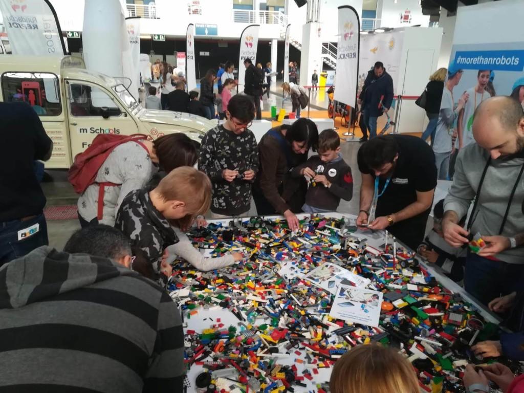 Actividad MAKER de LEGO Education ROBOTIX en YoMo 2019